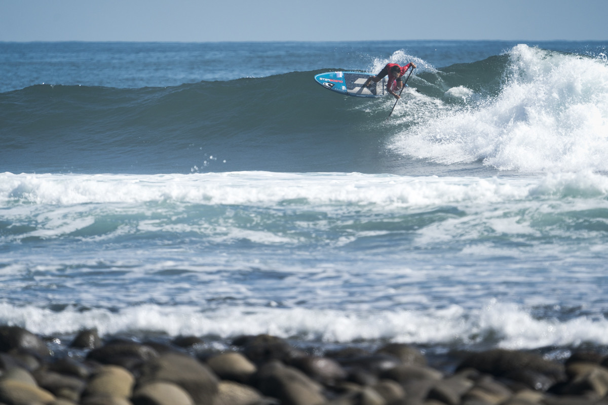 Riki Horikoshi of Japan remains undefeated in the men's SUP surf contest ©ISA