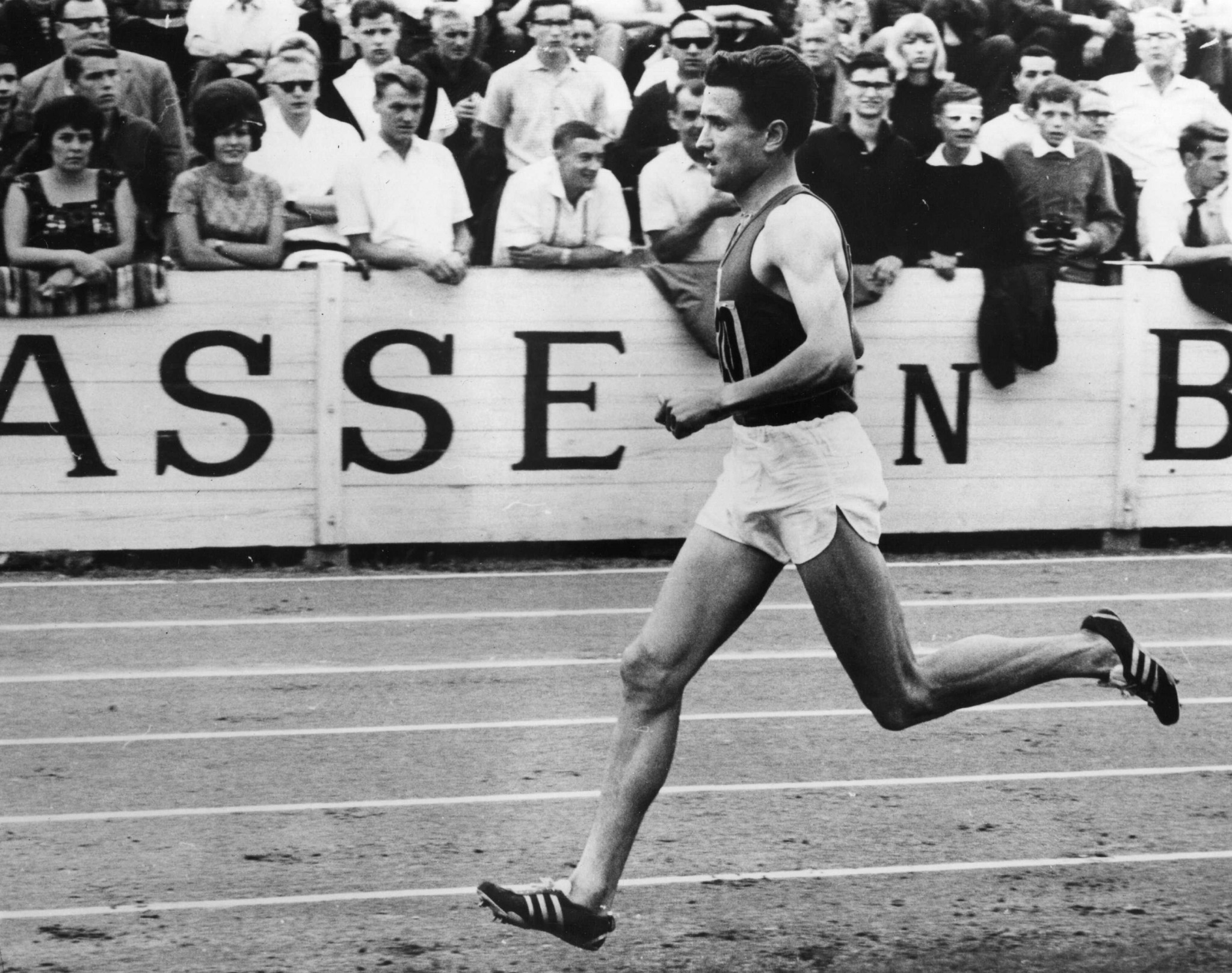 Michel Jazy, who won Olympic 1500m silver, European 1500 and 5000m gold and broke the mile record, roomed with Alain Mimoun as a 20-year-old at Melbourne 1956 - and learned from him ©Getty Images