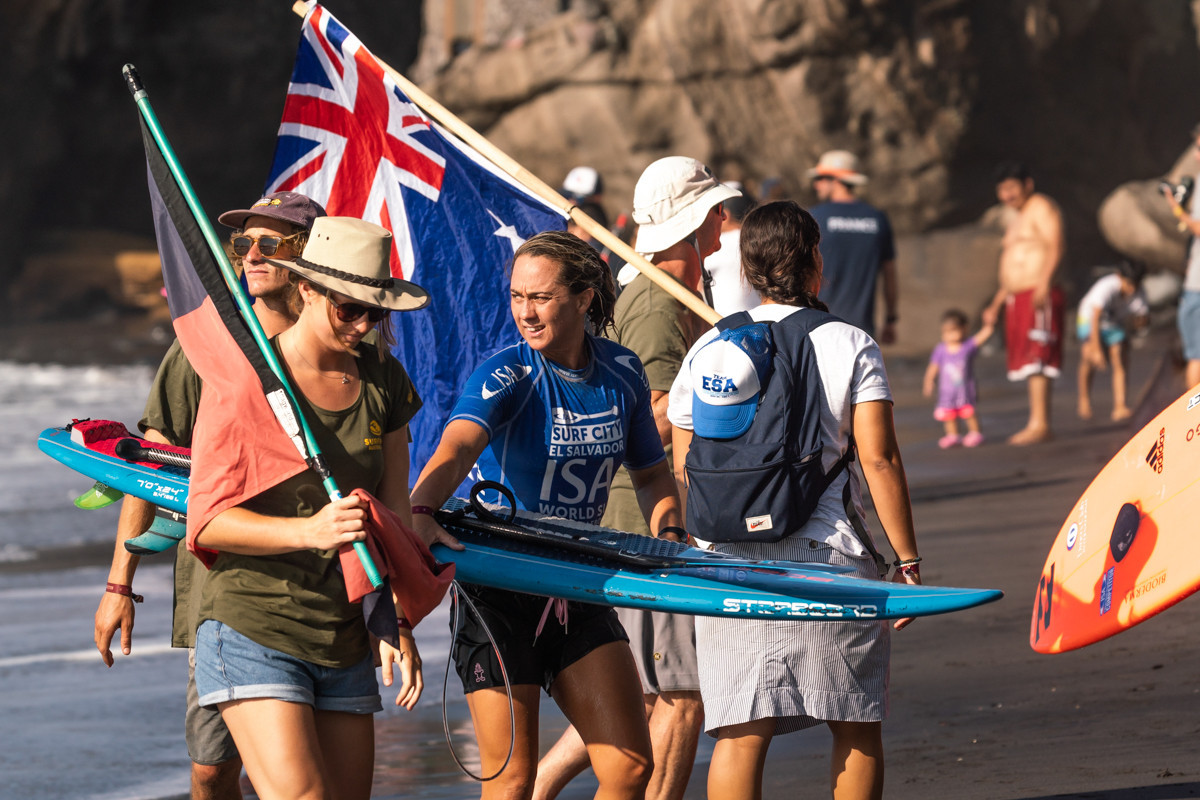 Women's defending champion Shakira Westdorp had to settle for second place in the SUP surf final ©ISA