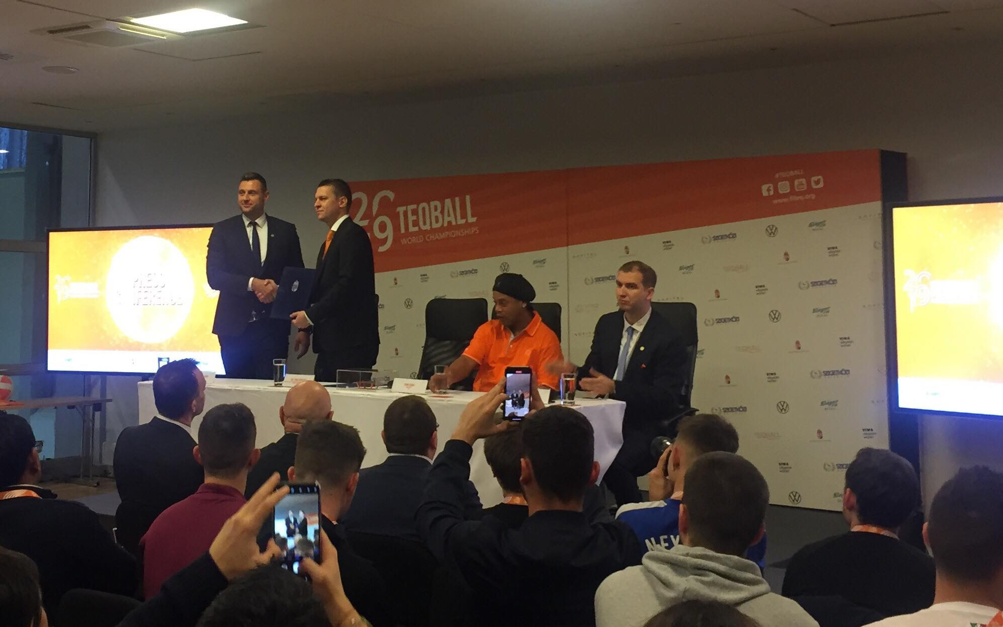 Hungary's Ministry of Foreign Affairs and Trade and the International Teqball Federation signed a strategic cooperation agreement during the press conference ©ITG