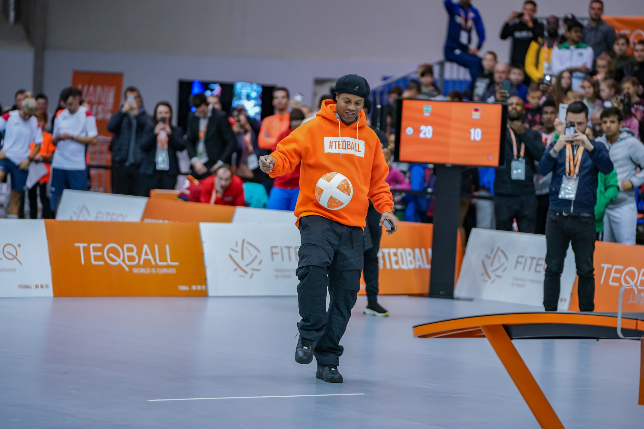 Brazilian football legend Ronaldinho showed off his teqball skills at the World Championships ©FITEQ
