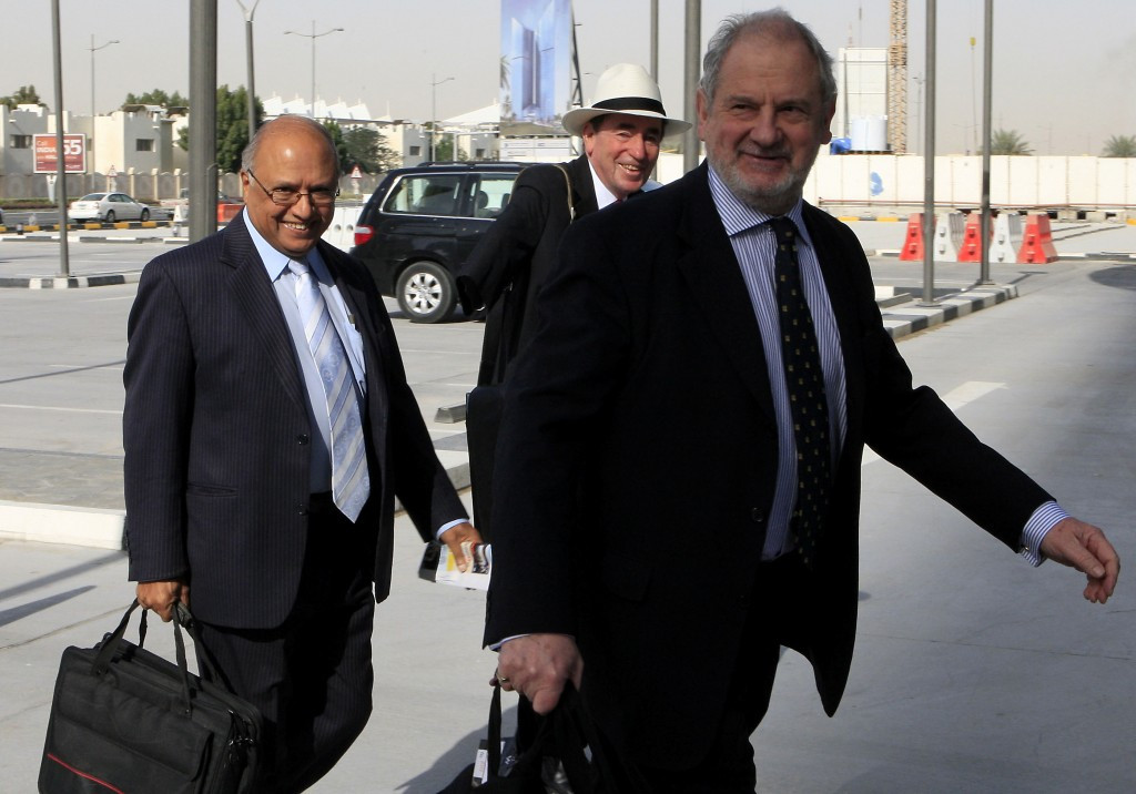 Kenya's former Director of Public Prosecutions Sharad Rao (left) has been appointed by IAAF Ethics Commission chairman Michael Beloff (right) to investigate claims of corruption against three officials in his home country ©Getty Images