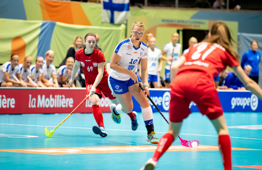 Finland dominated Poland, with a crushing 14-3 victory ©IFF