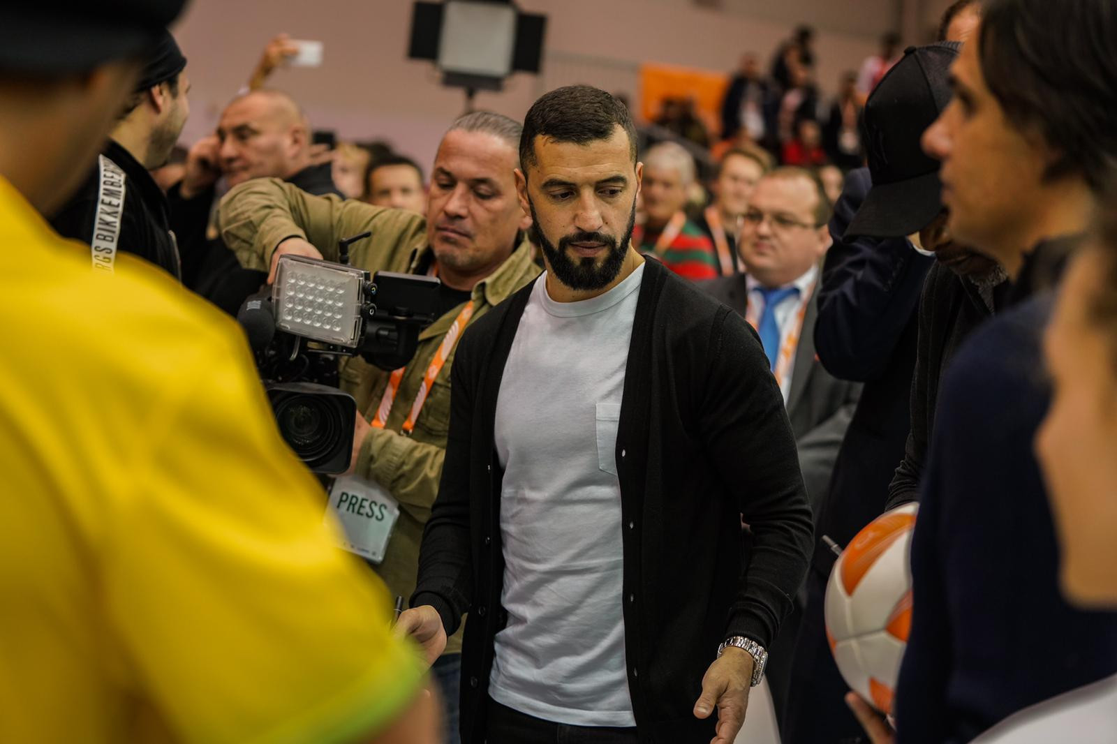 Simao Sabrosa of Portugal made an appearance ©FITEQ