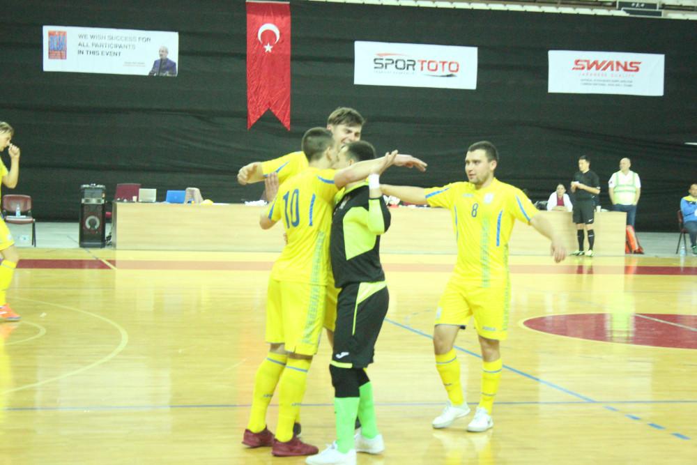 Ukraine thrashed Italy 8-1 at the IBSA Partially Sighted Football World Championship ©Futsal Turkey