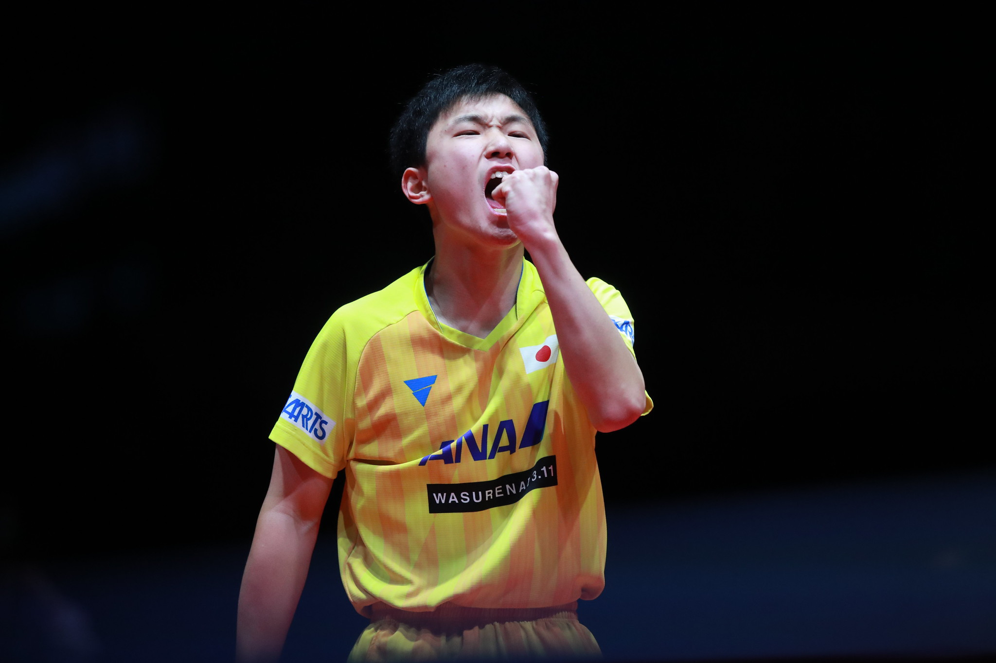 Harimoto and Chen Meng defend titles, as video replays debut at ITTF World Tour Grand Finals
