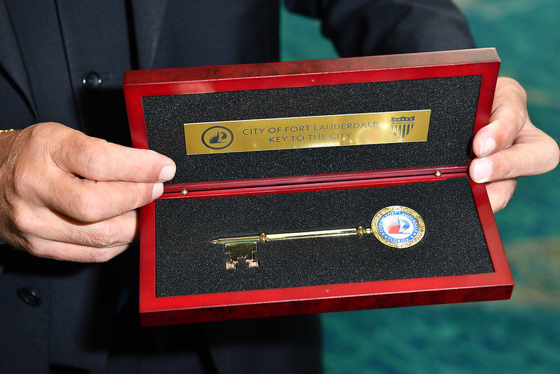 GAISF President Raffaele Chiulli was presented with the key to Fort Lauderdale ©SportAccord