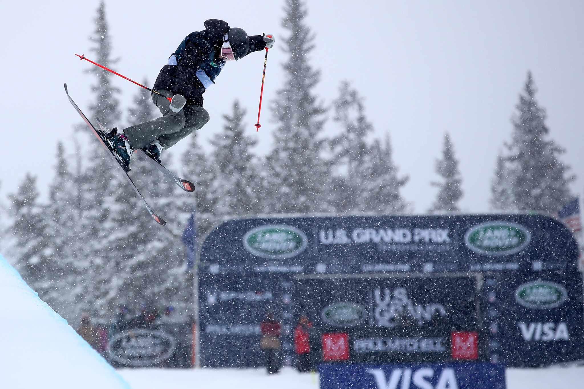 Career-first win for teen Atkin at FIS Freestyle Skiing Halfpipe World Cup in Copper Mountain
