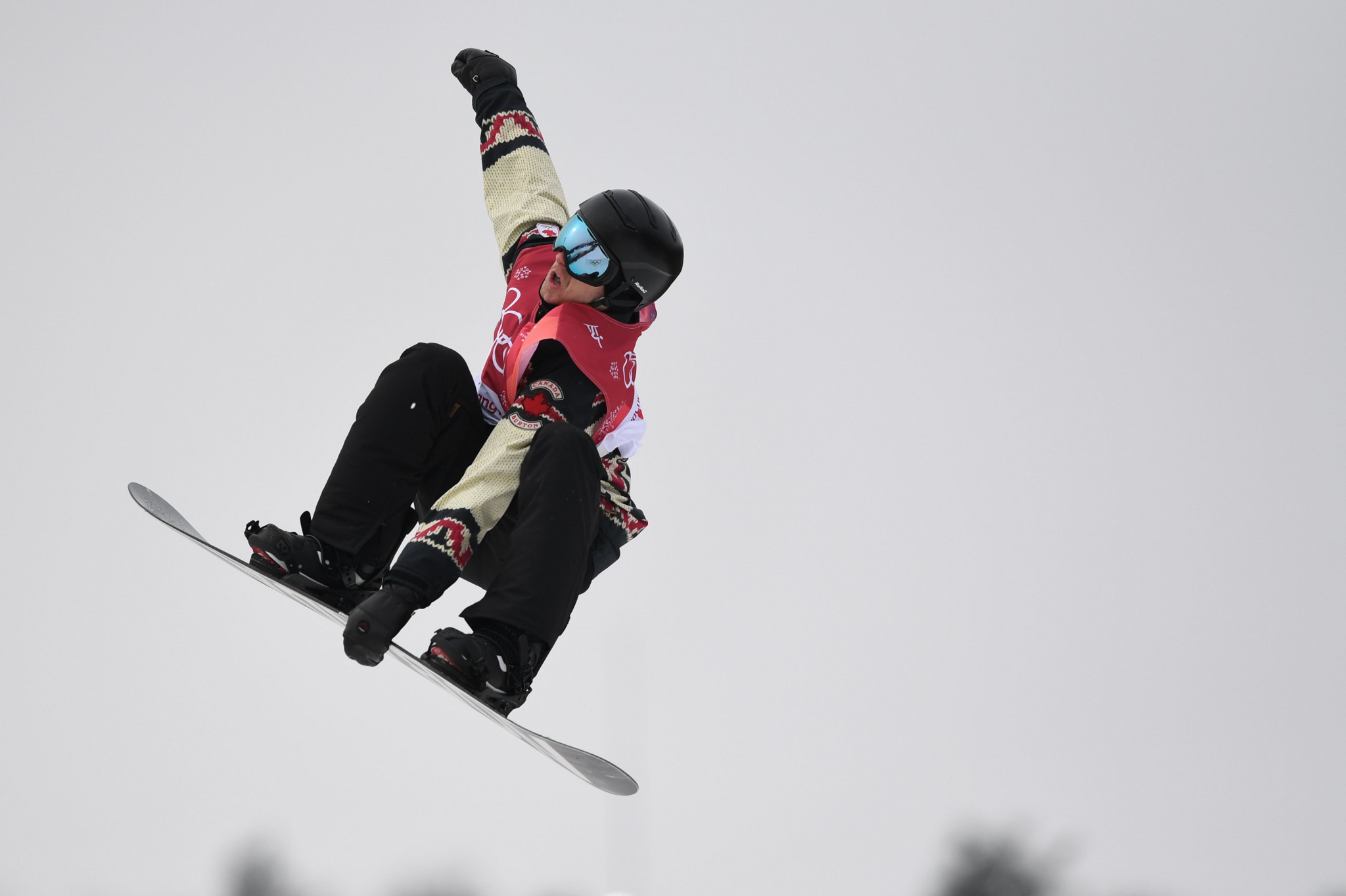 Parrot claims big air triumph on return to action at FIS Snowboard World Cup