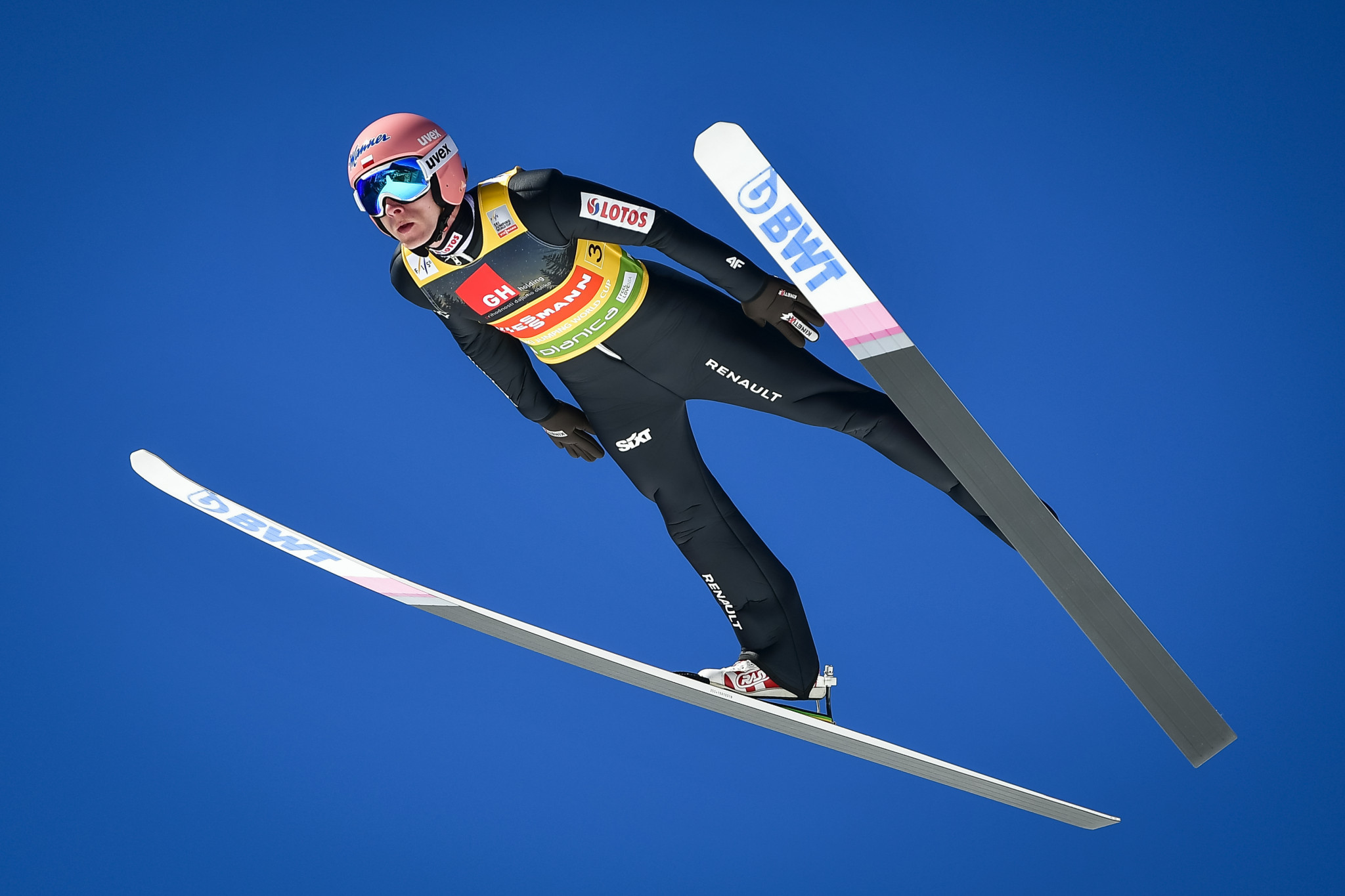 Poland win team competition at FIS Ski Jumping World Cup