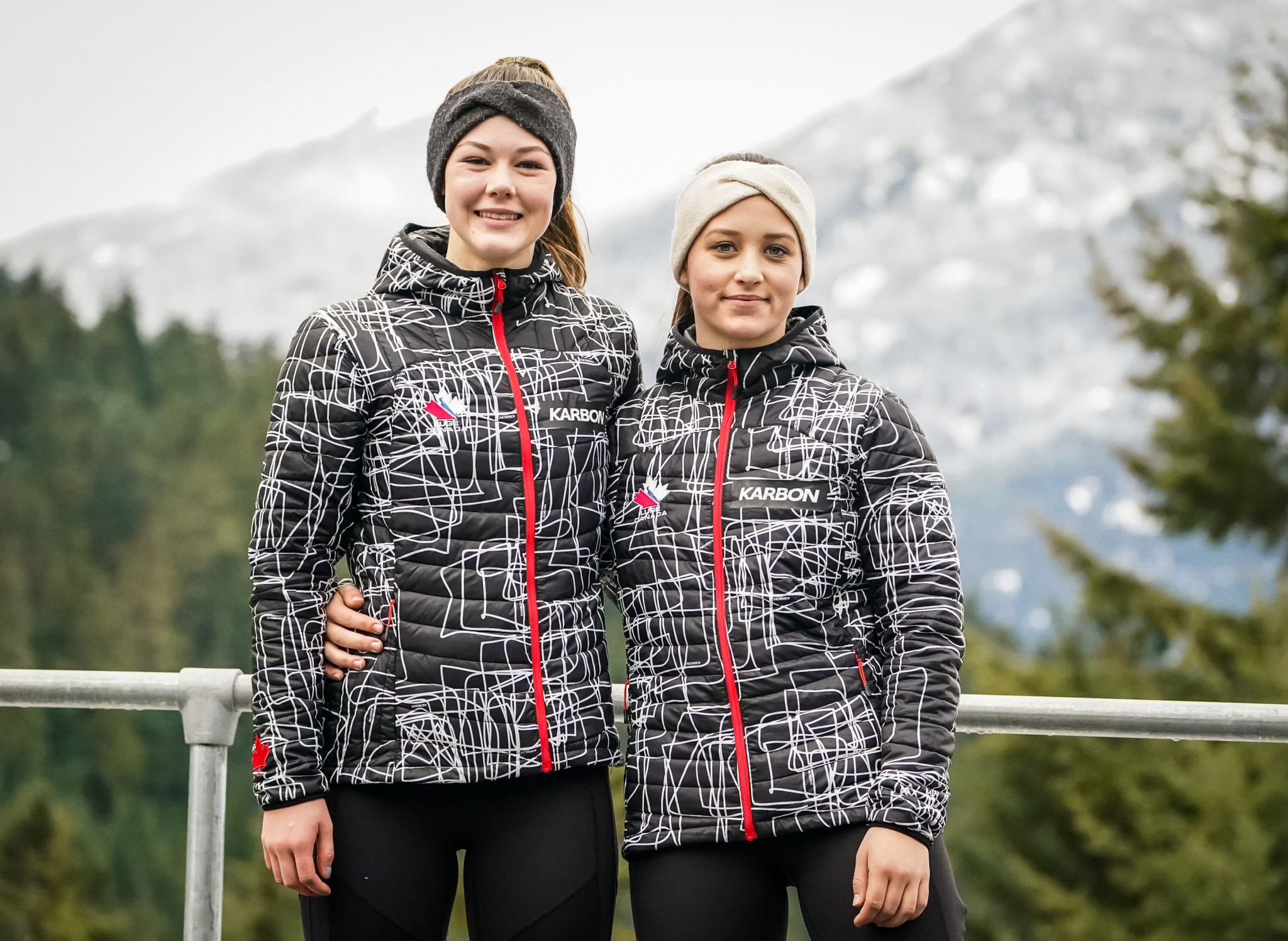Sixteen-year-old local athletes Caitlin Nash and Natalie Corless became the first women to compete against men at the Luge World Cup ©Dave Holland/Luge Canada