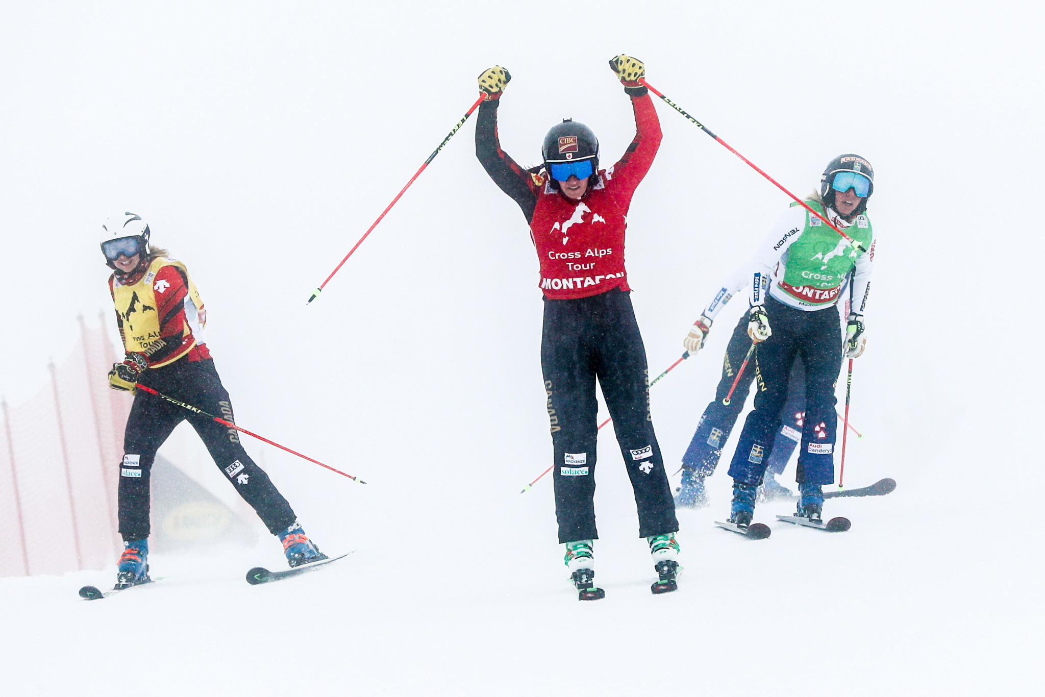 Thompson records second straight win at FIS Ski Cross World Cup