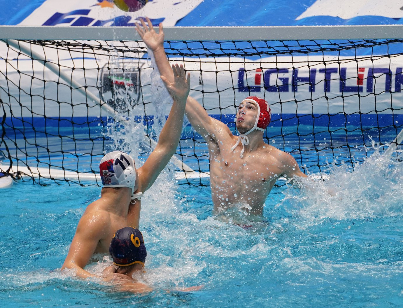 Serbia claimed a hard-fought 10-9 win over Montenegro ©Eszter Novak/FINA