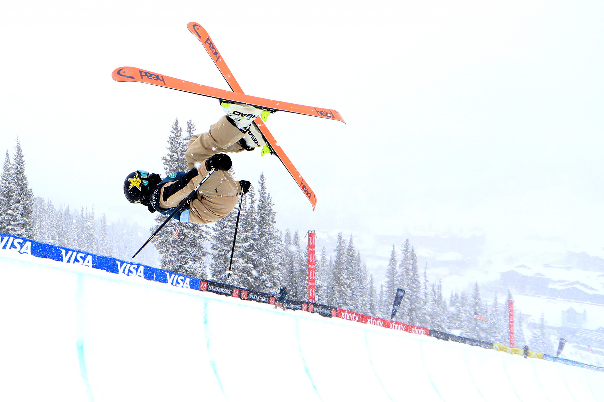World champion Blunck tops men's qualification at Ski Halfpipe World Cup in China