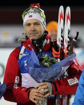 Biathlon legend Bjørndalen earns 20km World Cup title in Östersund