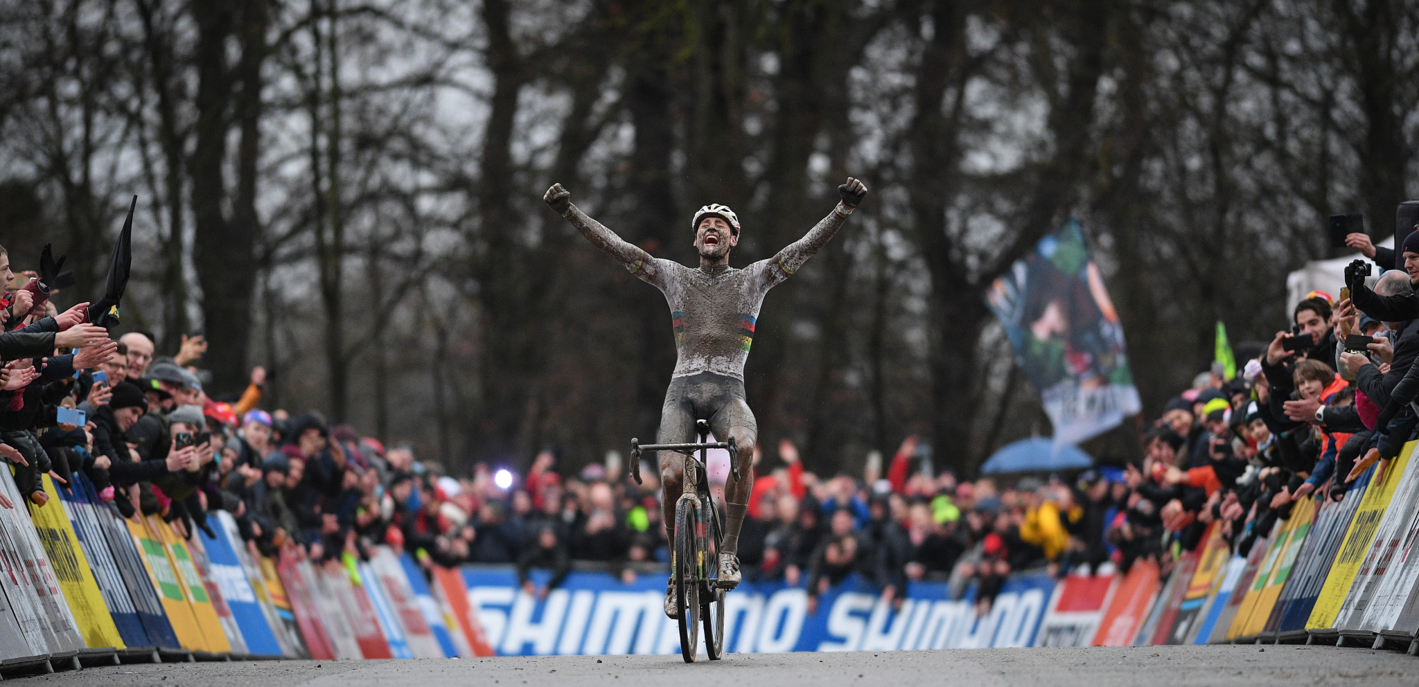 Van der Poel and Brand repeat UCI Cyclo-cross World Cup successes in Namur