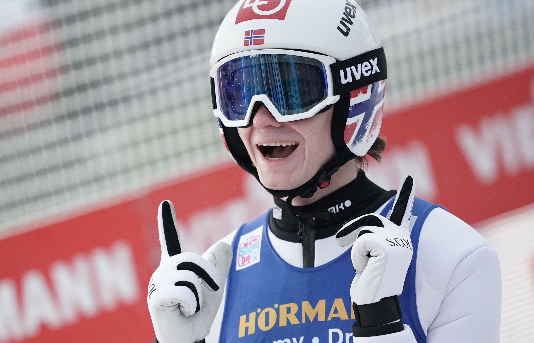 Lindvik secures second consecutive Four Hills victory as Kubacki takes overall lead