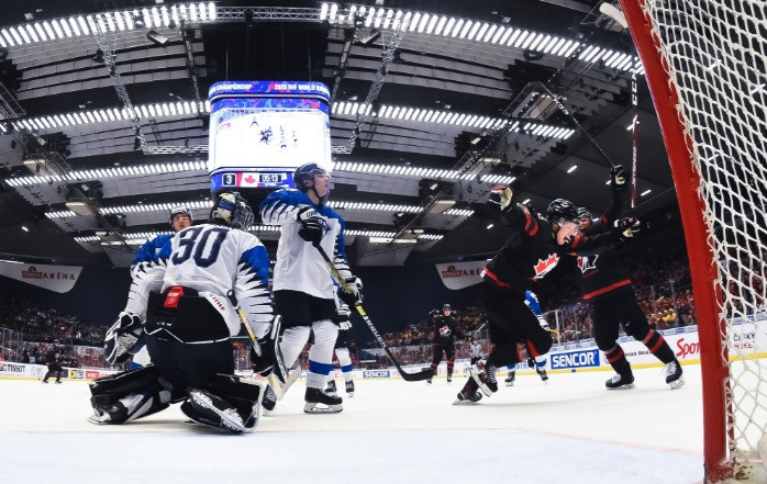 Canada to face Russia in IIHF World Junior Championship final