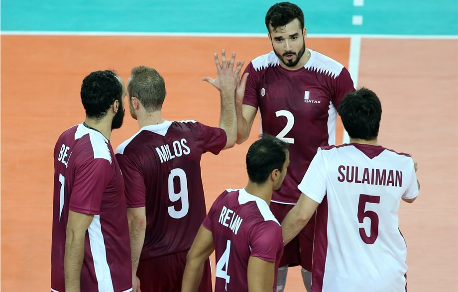 Qatar's men booked their place in the next round ©FIVB