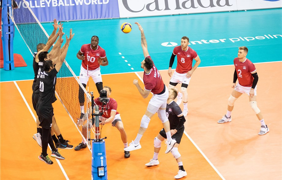 Canada's men made a winning start to their Tokyo 2020 volleyball qualifier in Vancouver ©FIVB