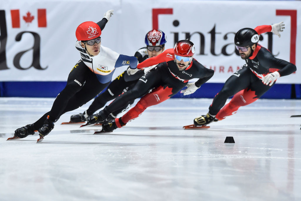 Hwang Dae-heon, left, was crowned as men's overall champion ©ISU
