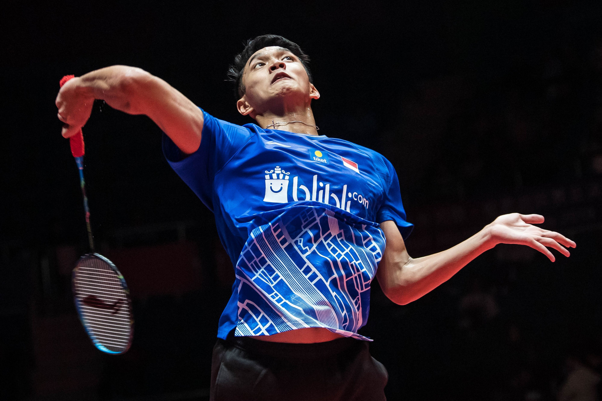 Indonesia's Asian Games champion Jonatan Christie kept his home tournament alive ©Getty Images