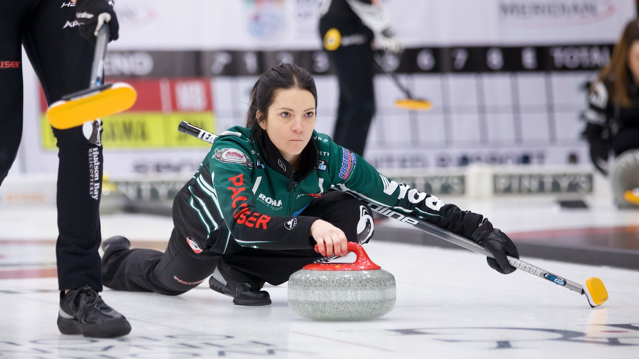 Unbeaten Team Einarson and Team Roth qualify for curling's Canadian Open playoffs