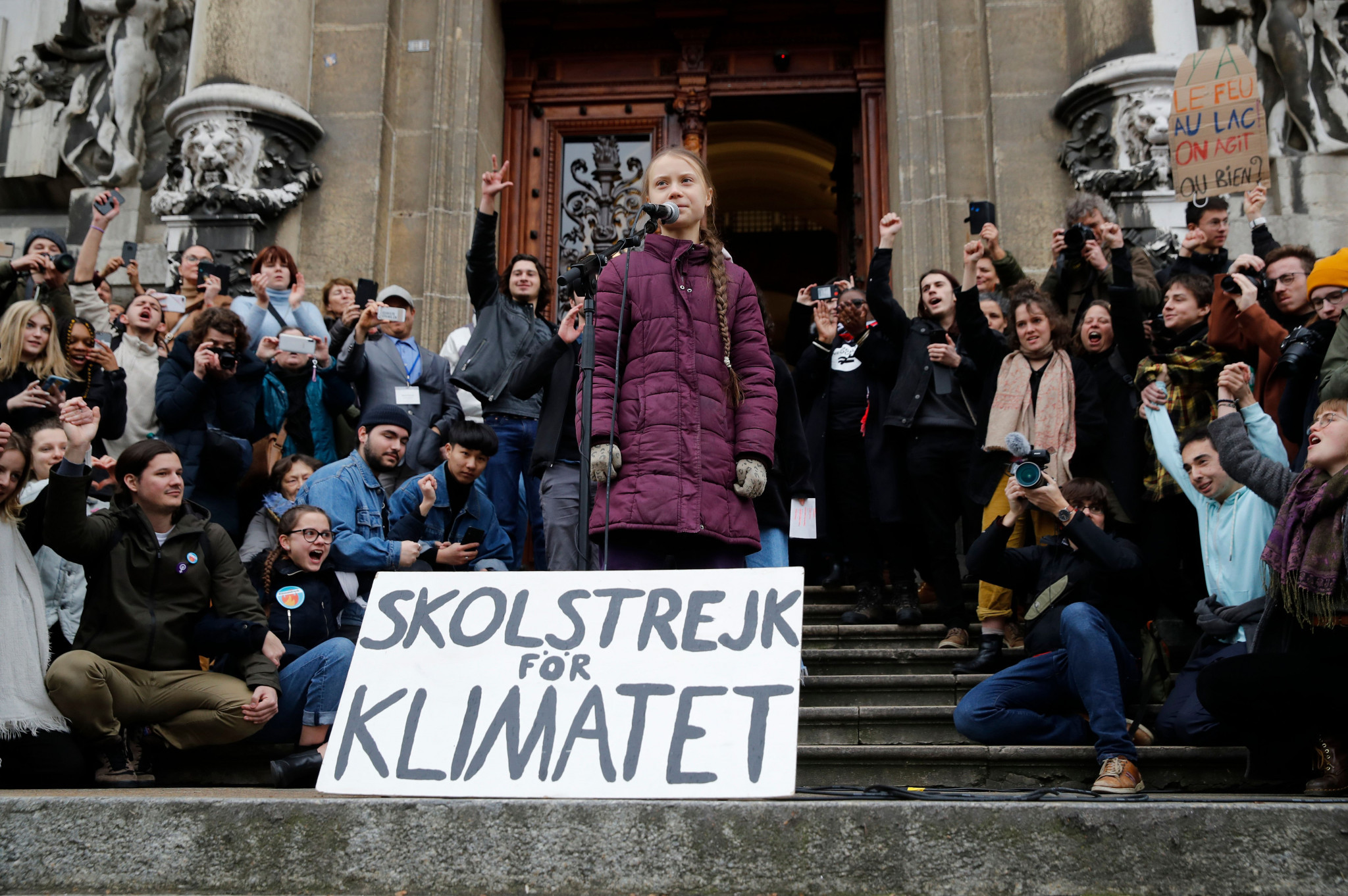 Thunberg warns world leaders at packed demonstration during Lausanne 2020