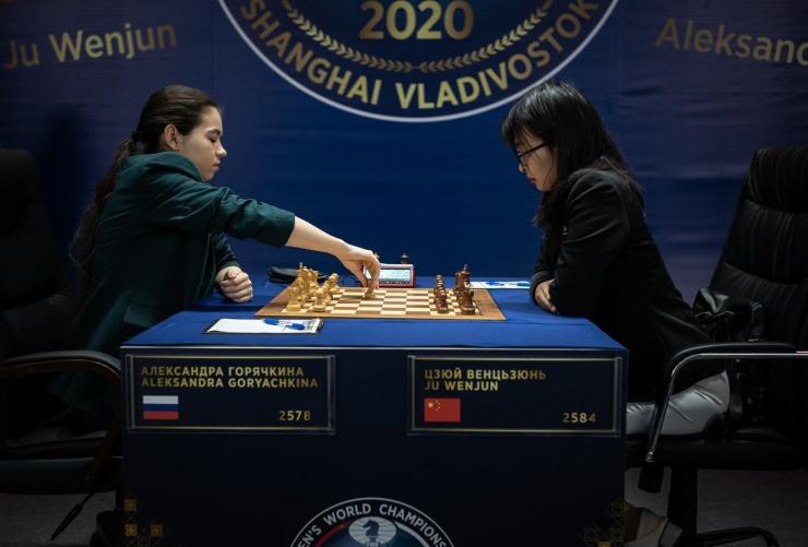 Goryachkina takes lead at Women's World Chess Championship