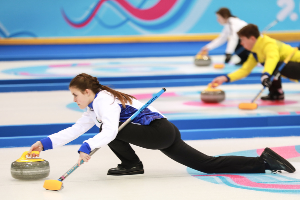The mixed NOC mixed doubles curling event got underway in Champery ©WCF