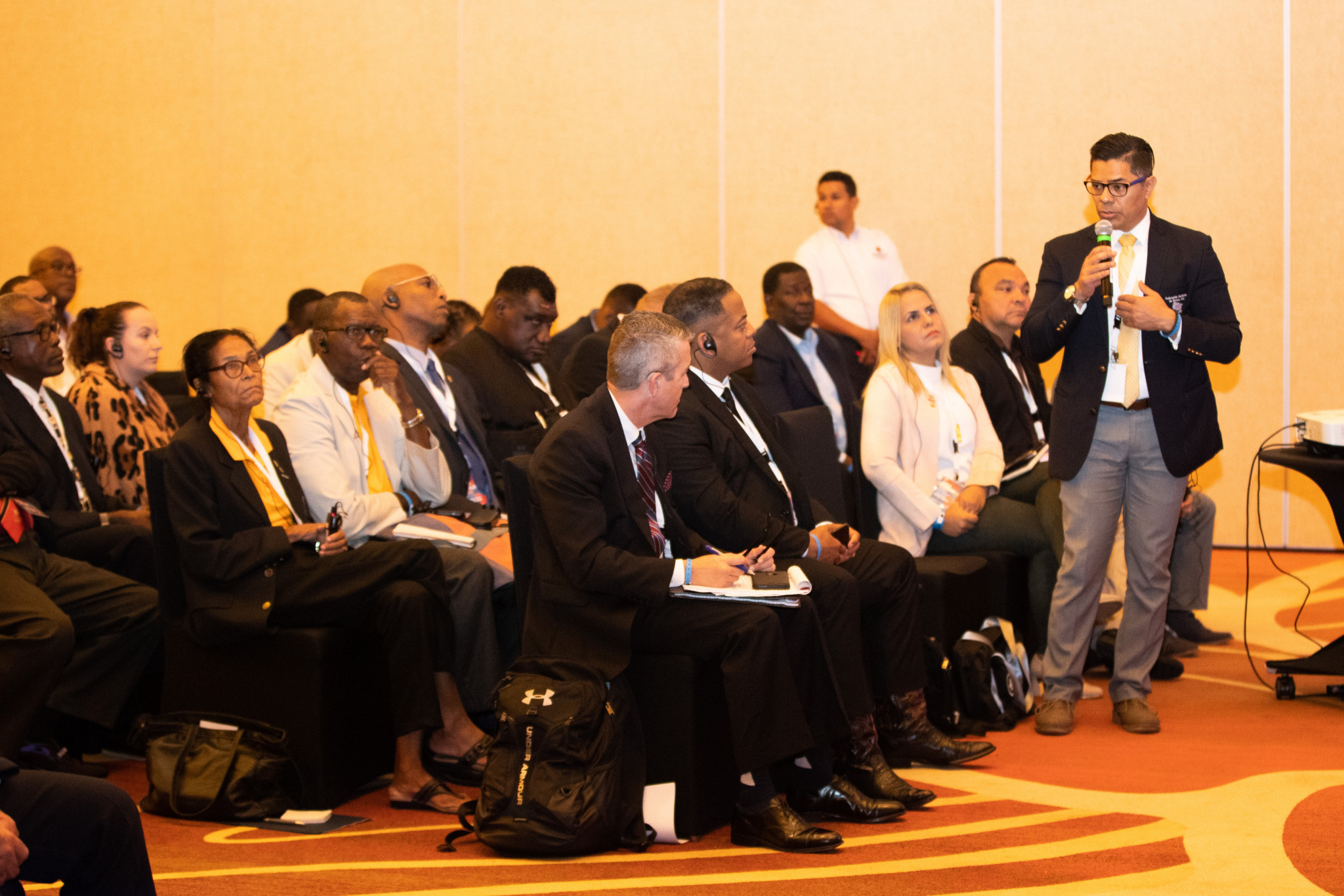 Delegates were encouraged to participate in open discussion sessions ©AIBA