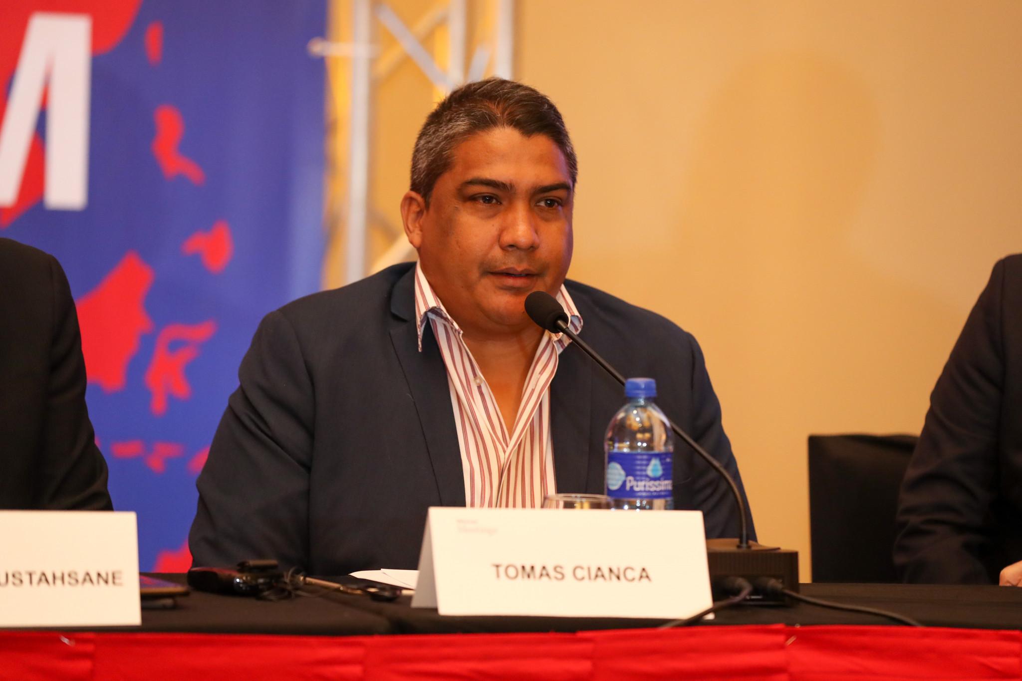 Panama Boxing Federation President Tomas Cianca did the same ©AIBA