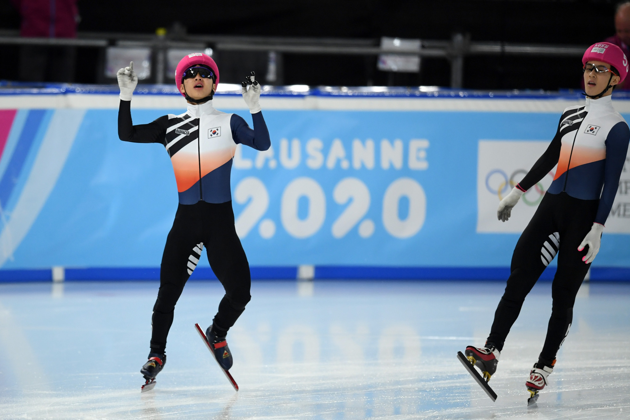 Lee Jeong-min beat team-mate Jang Sung-woo to win the men's 1000m gold ©Getty Images