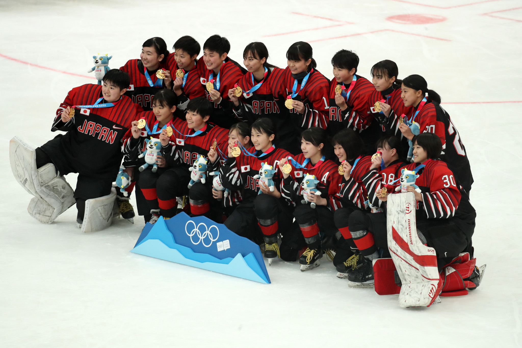 Japan overcome Sweden to clinch women's ice hockey title at Lausanne 2020