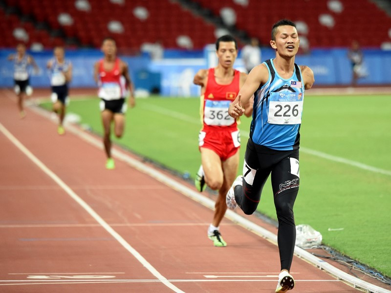 Muhamad Ashraf Bin Muhammad Haisham was one of seven track and field gold medallists for Malaysia today, winning the men's 800 metres T46 in a Games record time ©Suki Singh/SAPGOC