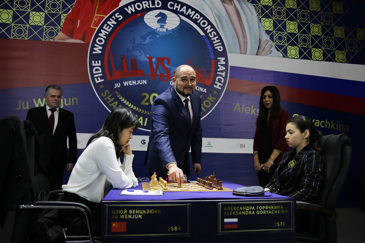 The penultimate game was quickly concluded as a draw ©FIDE