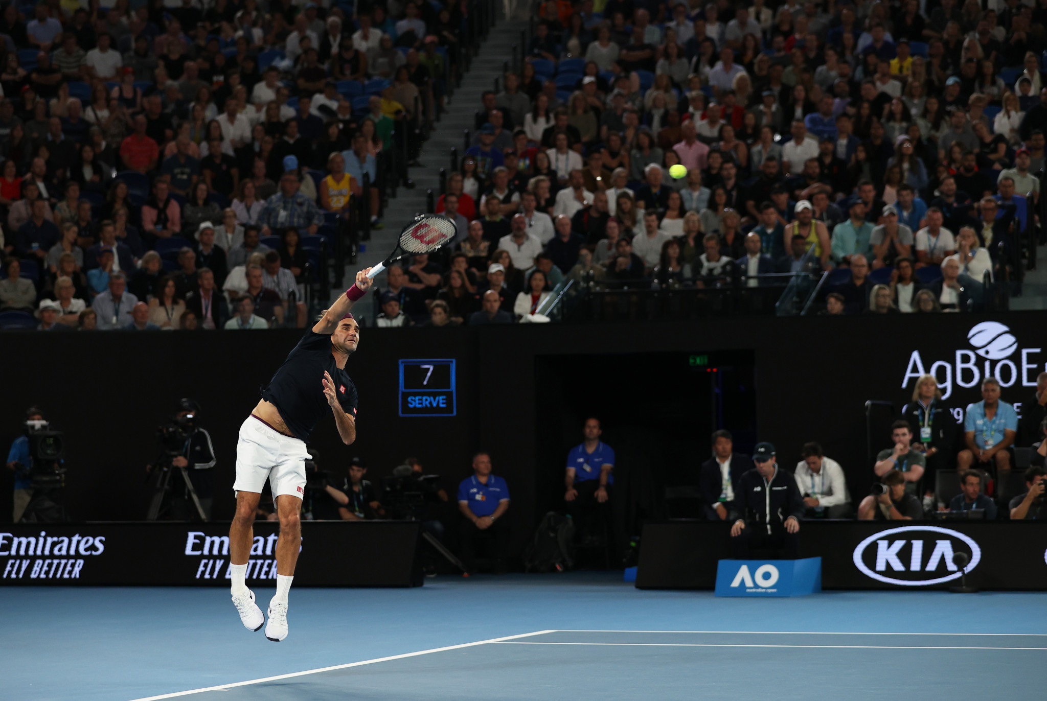 It was a five-set thriller, however, with Federer just edging it 4-6, 7-6, 6-4, 4-6, 7-6 ©Getty Images