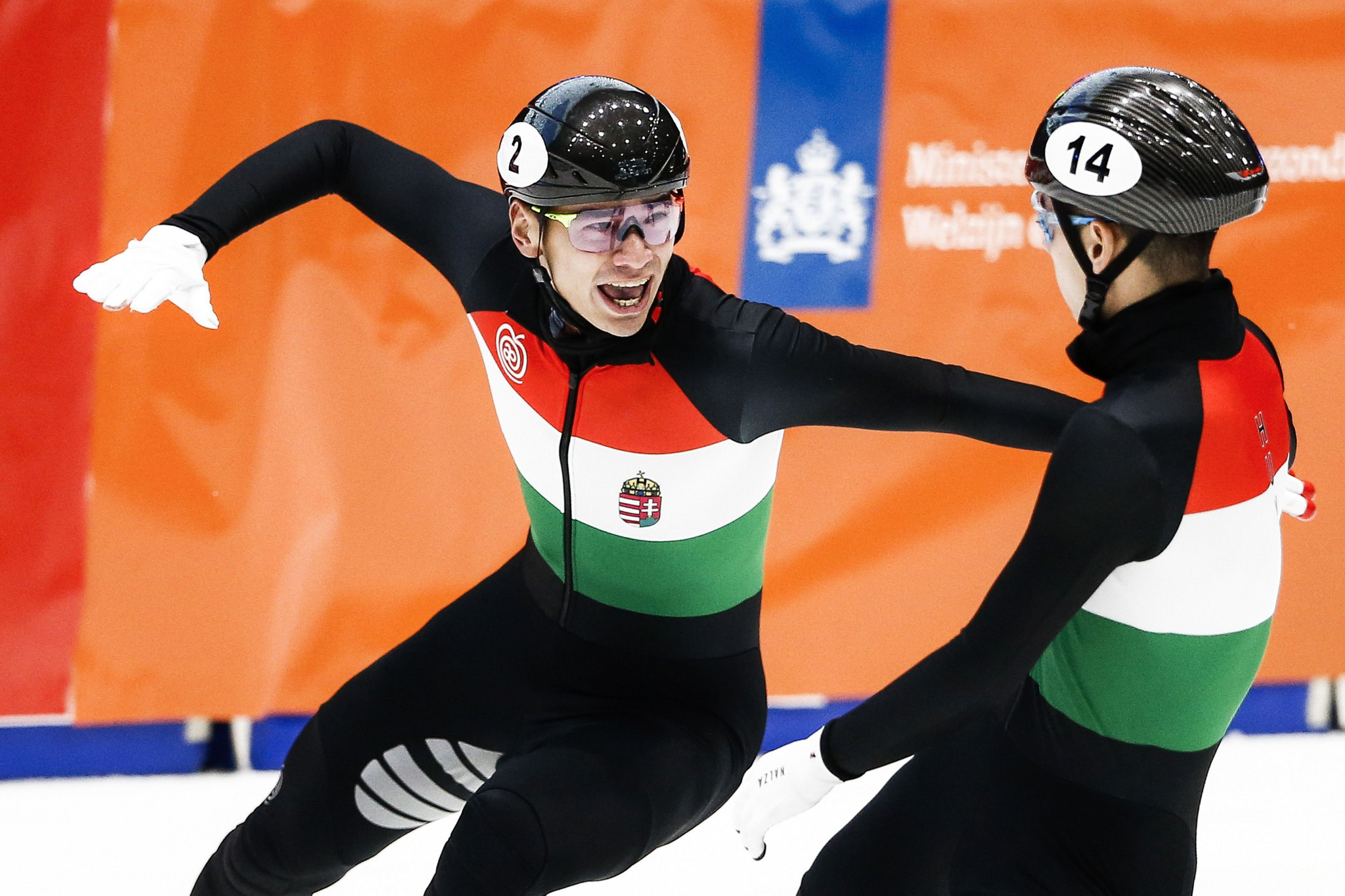 Liu brothers impress on opening day of ISU Short Track European Championships