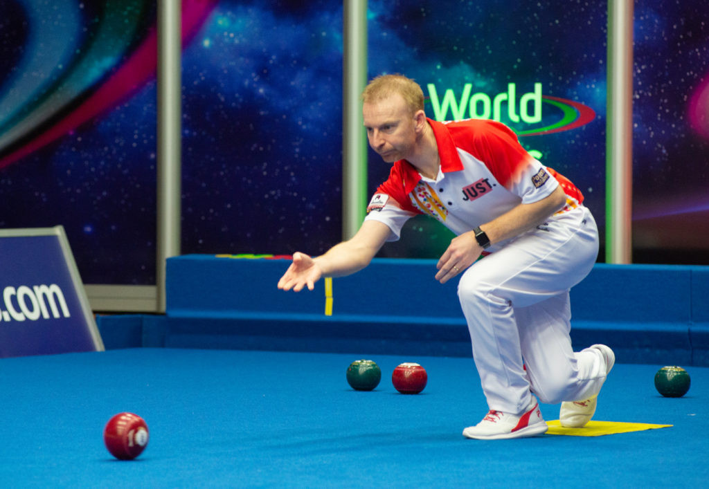 England's Nick Brett is through to the semi-finals ©World Bowls Tour