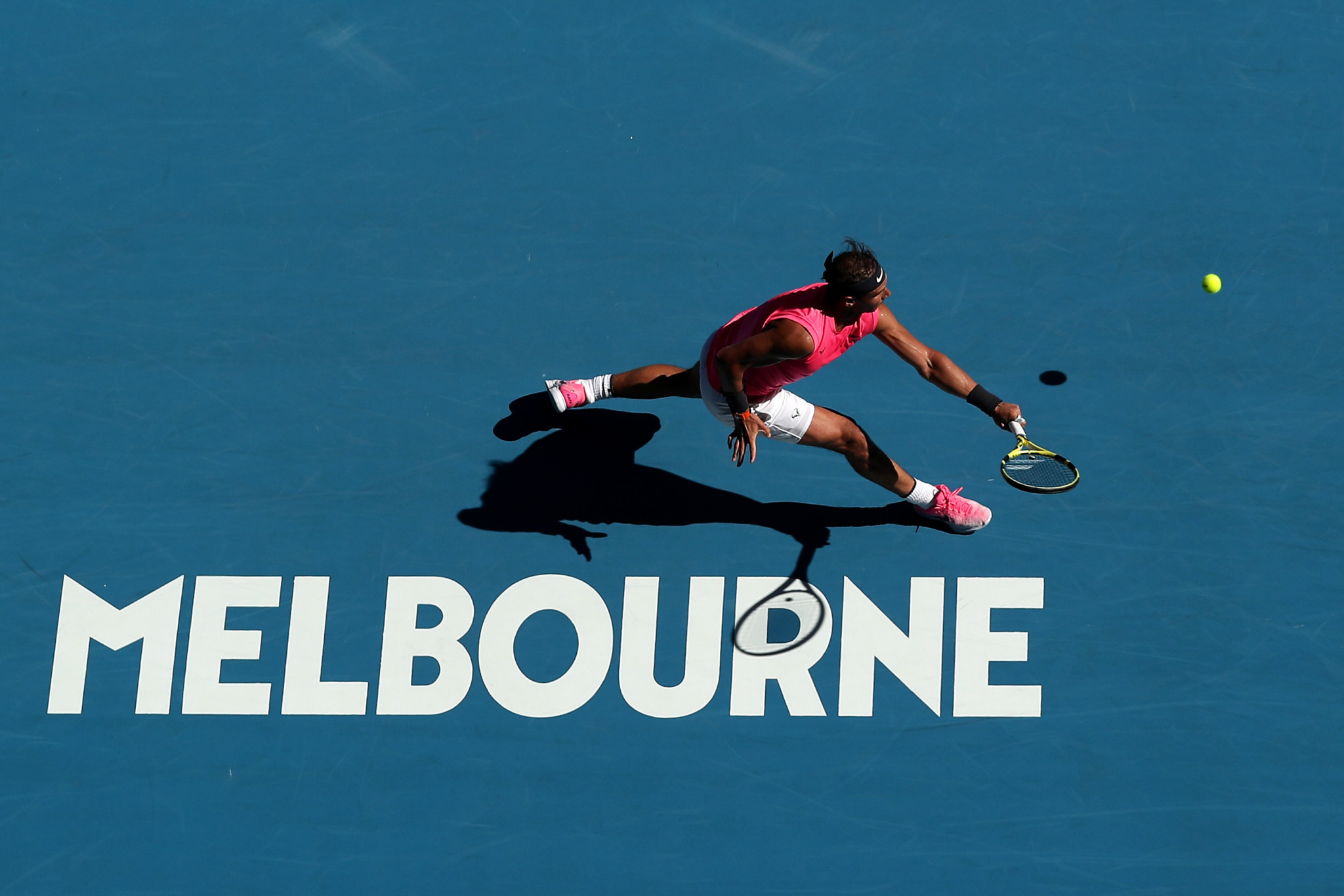 Nadal takes simple route to Australian Open last 16 after Federer roller-coaster