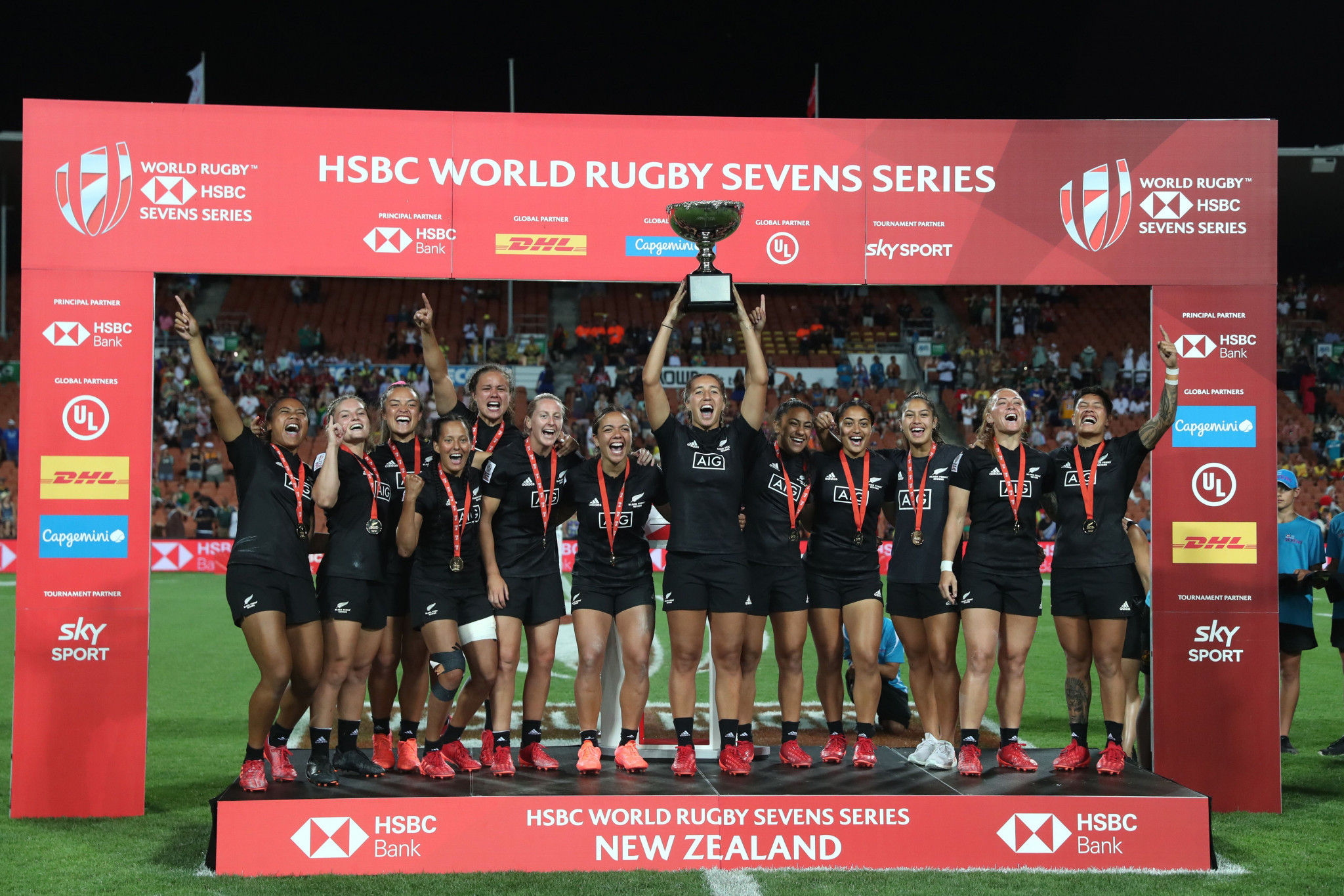 New Zealand take third consecutive World Rugby Women's Sevens Series title in Hamilton