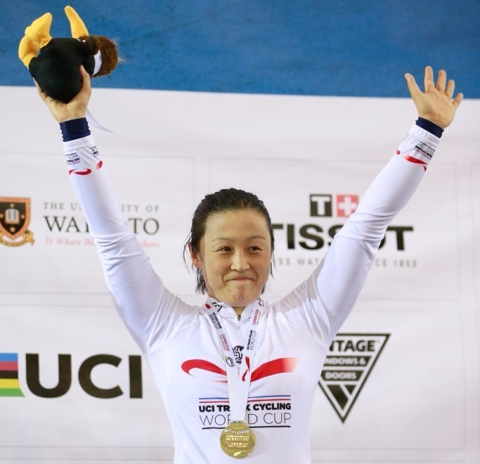 Guo overcomes injury-hit Meares to claim keirin gold at UCI Track World Cup