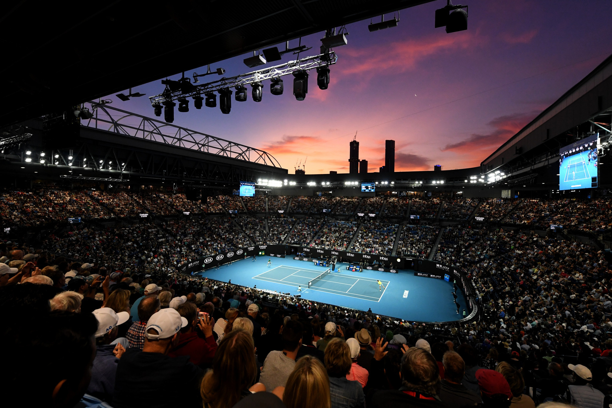 A pink sky was the backdrop on the first day of Australian Open quarter-finals ©Getty Images