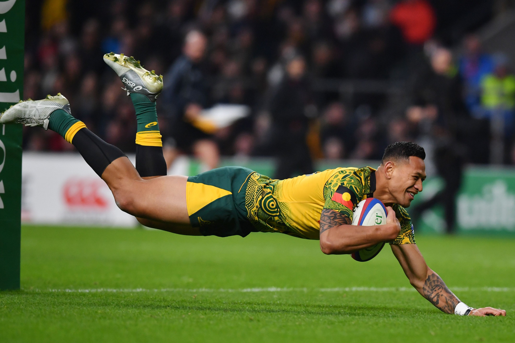 Folau returns to rugby league after controversial sacking