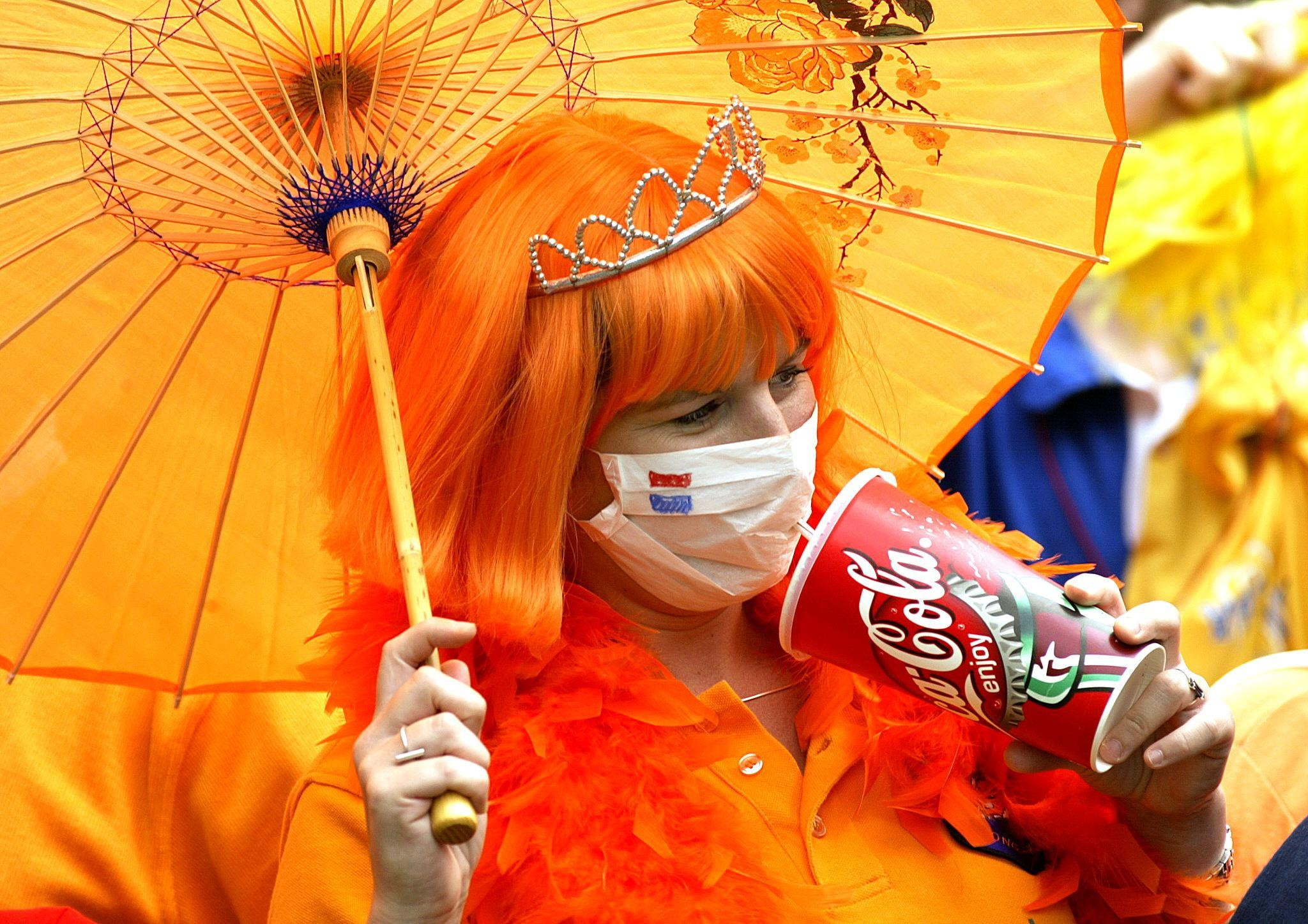 A fan at the 2003 Hong Kong Sevens, which went ahead amid the SARS outbreak ©Getty Images