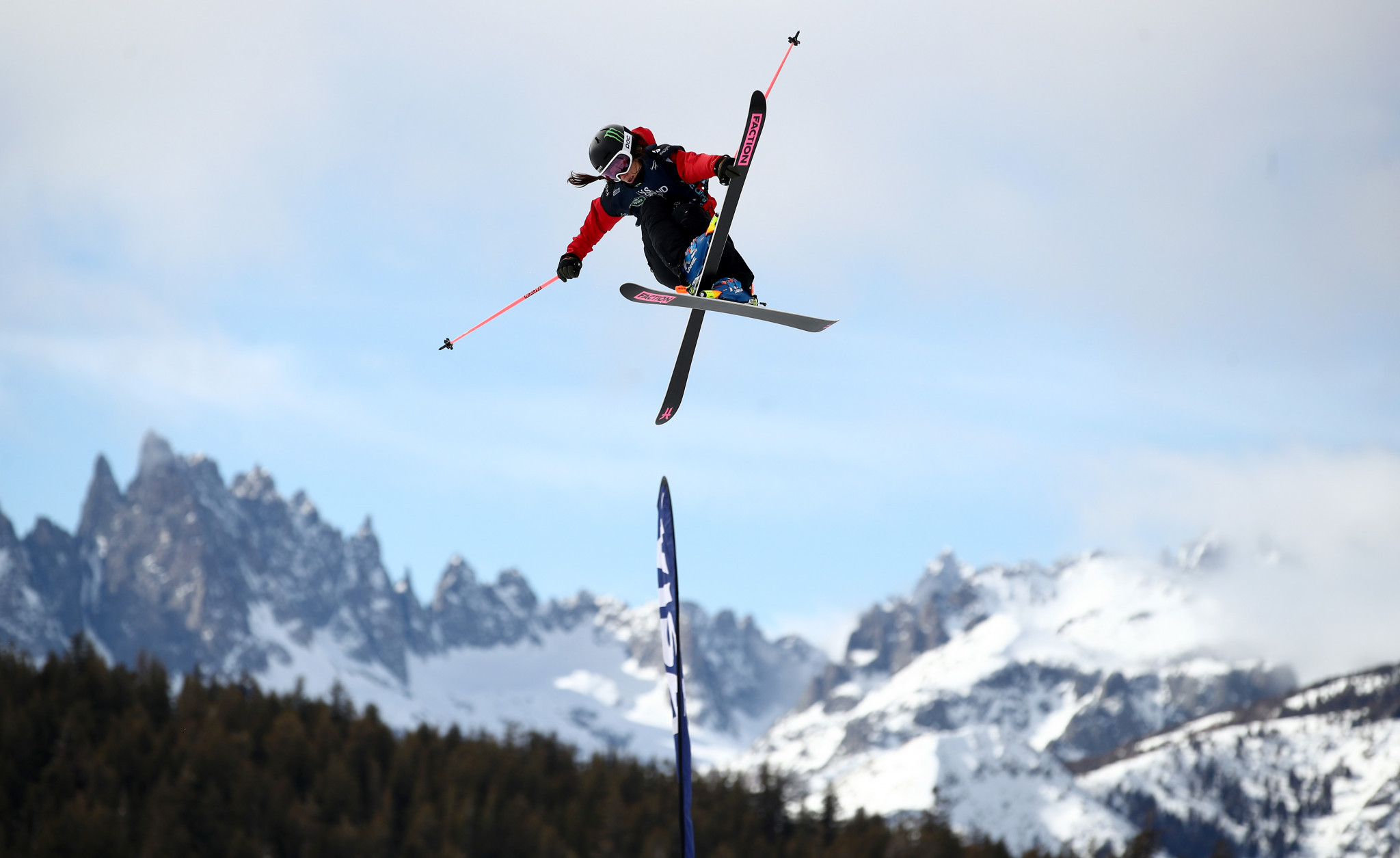 Hoefflin secures slopestyle victory at FIS Freestyle World Cup in Mammoth Mountain