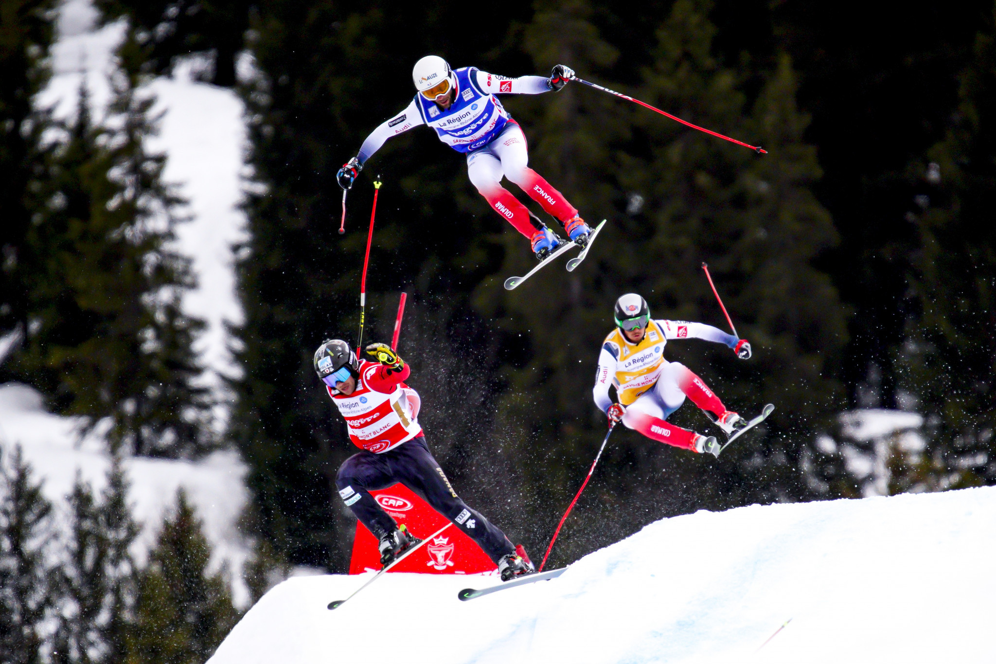Drury extends overall lead with victory at FIS Ski Cross World Cup