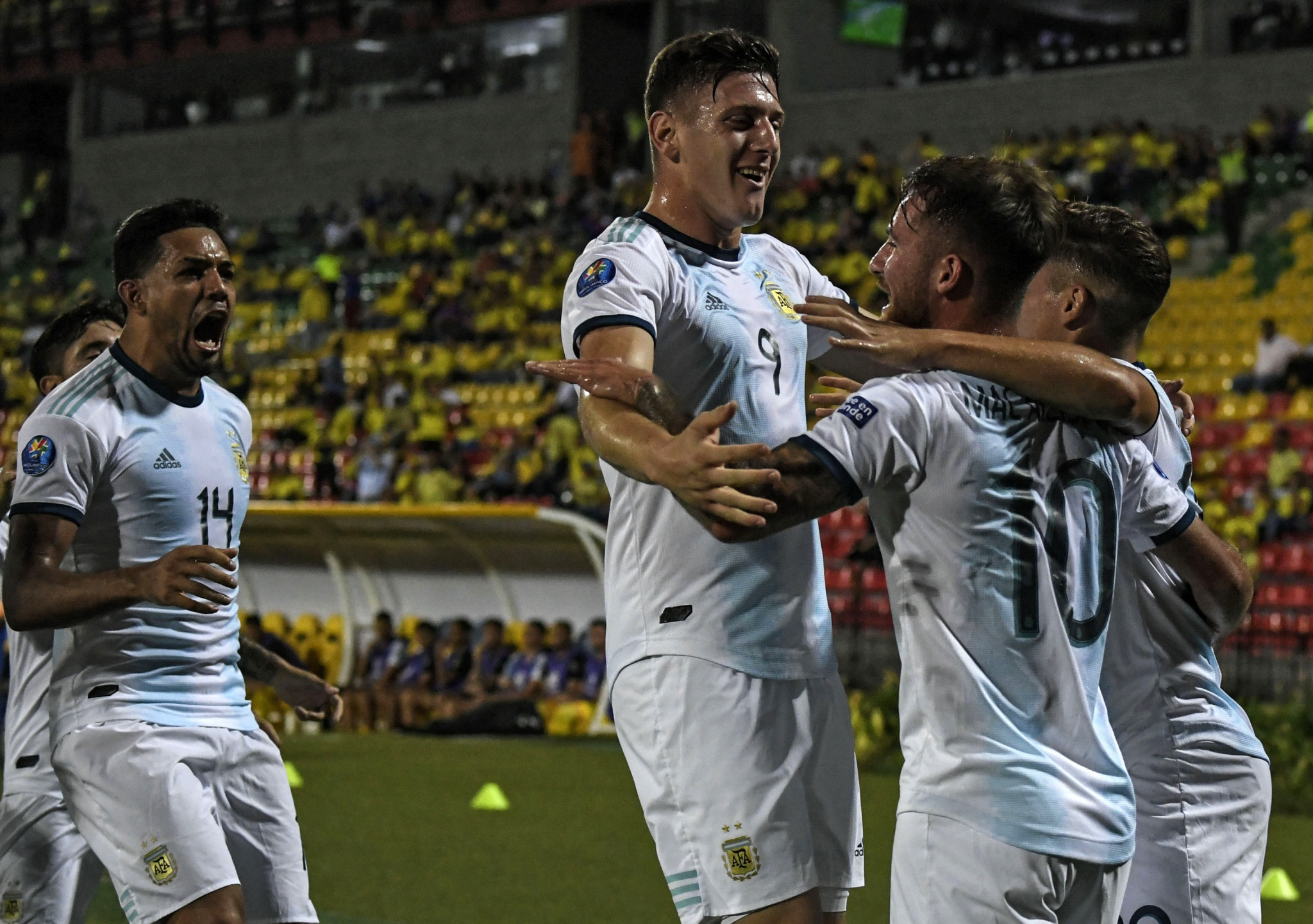 Alexis Mac Allister scored twice as Argentina beat Uruguay 3-2 ©Getty Images