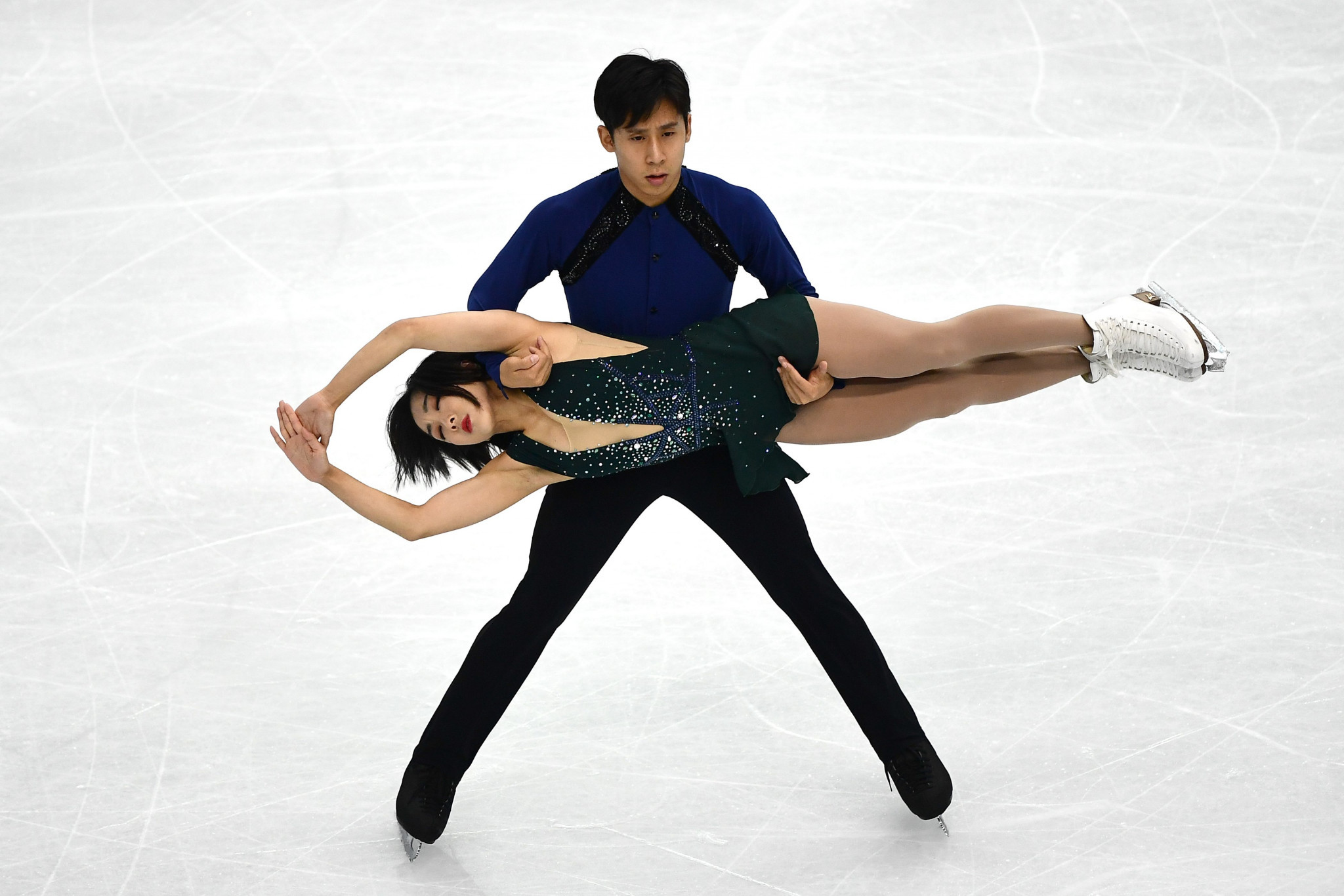 Wenjing Sui and Cong Han will aim for a sixth pairs title ©Getty Images
