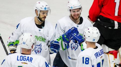 Hosts earn winning starts in IIHF Olympic Pre-Qualification Round 3 matches